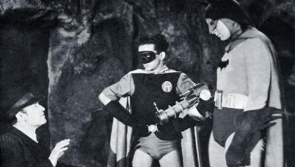 Enciclopedia della fantascienza. Arrivano Batman e Superman