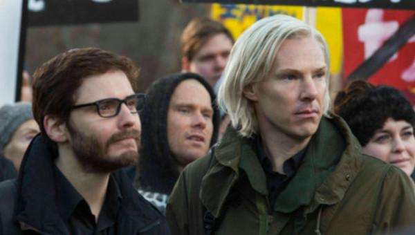 """Assange vuole boicottare """"Il quinto potere"""" (ma il film si boicotta da solo)"""