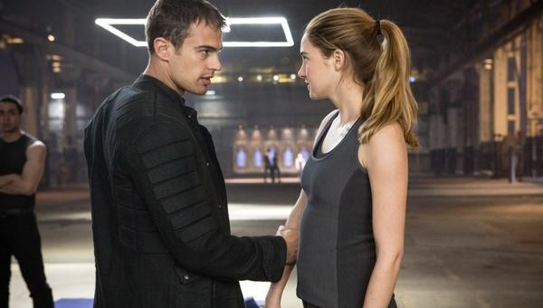 Sembra Hunger Games, ma è Divergent. Caccia al diverso.