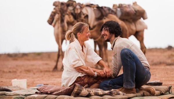 Tracks: l'Australia a piedi (con quattro cammelli) per ritrovare se stessa