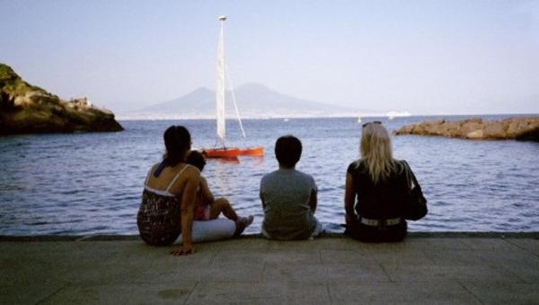 Le cose belle: comizi di Napoli dieci anni dopo