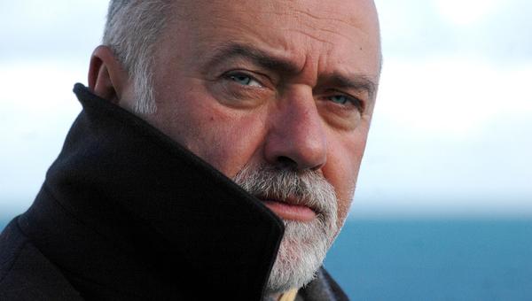 """Addio a Giorgio Faletti: il suo Prof per Brizzi non era poi così """"carogna"""""""
