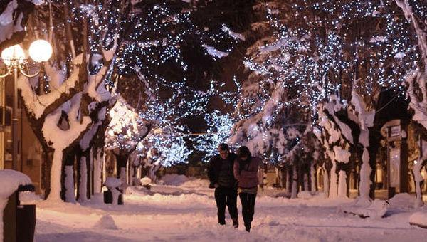 Neve. Una storia d'amore sospesa nel bianco
