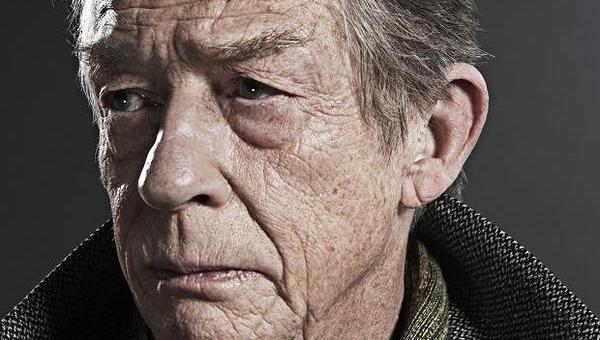"""ADDIO A SIR JOHN HURT, 77 ANNI, SUBLIME ATTORE INGLESE. AMAVA CAMUFFARSI, ANCHE SCOMPARIRE (""""THE ELEPHANT MAN"""")"""