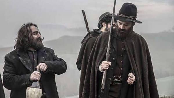 """MARCHIGIANI DOC. SI GIRA NEL PESARESE """"LA BANDA GROSSI"""". QUASI UN MIRACOLO: UN FILM IN COSTUME CON 200 MILA EURO"""