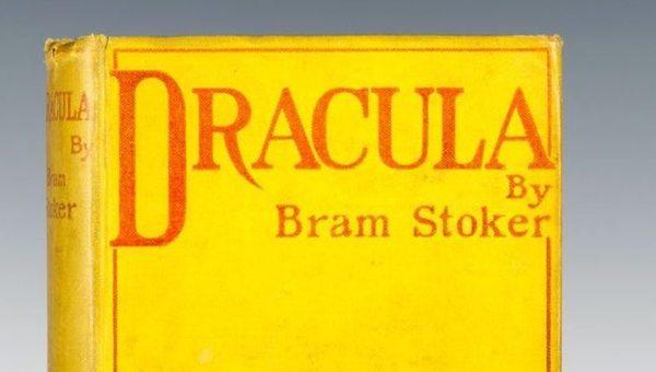 """""""Il Conte incubo"""": Dracula messo a nudo nel nuovo saggio di Franco Pezzini"""