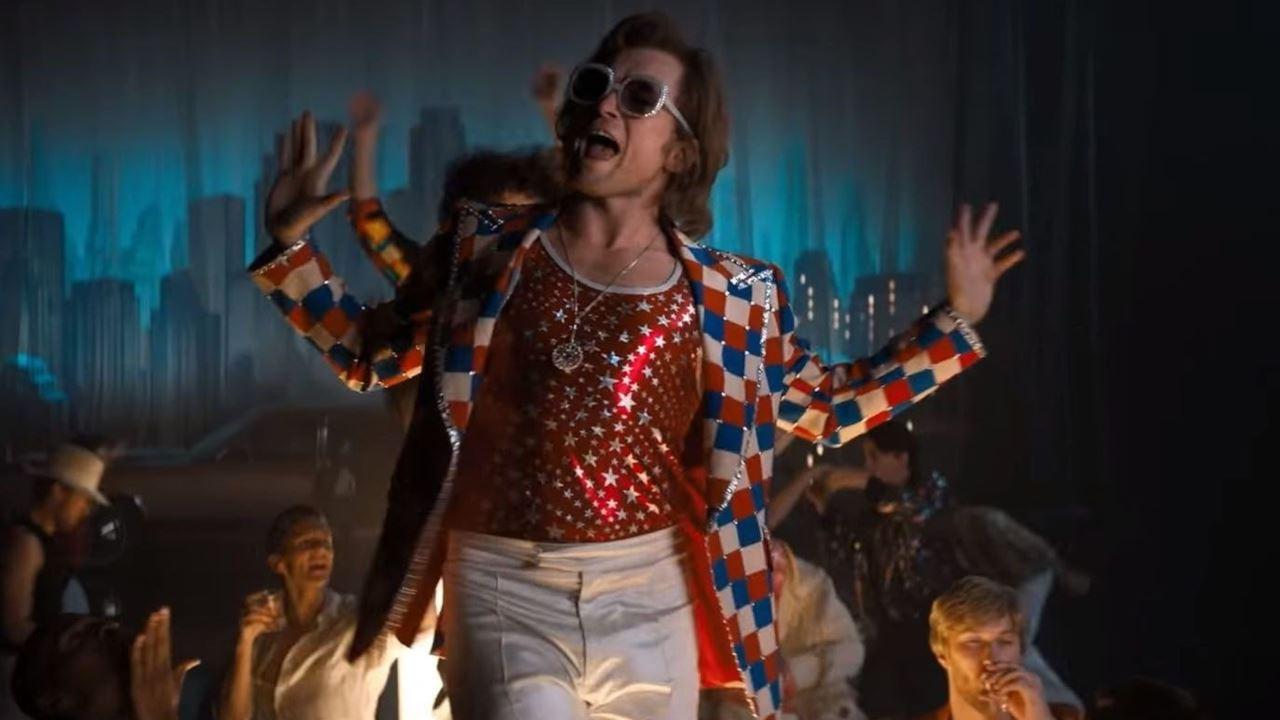 """Se Elton John batte Freddie Mercury: """"Rocketman"""" vola alto"""