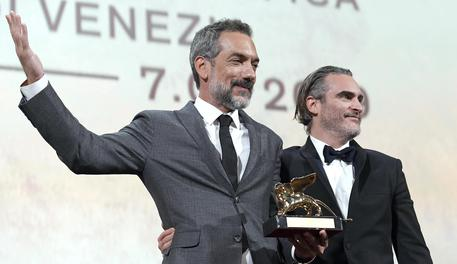 """Leone d'oro a """"Joker"""" e un po' anche a Polanski. Italia ride con due premi"""