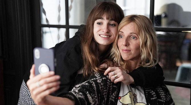 Selfie di famiglia. Il metacinema femminile della Azuelos