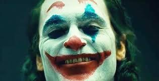 """Una risata (compulsiva) vi seppellirà tutti. """"Joker"""" risuola il cattivo"""
