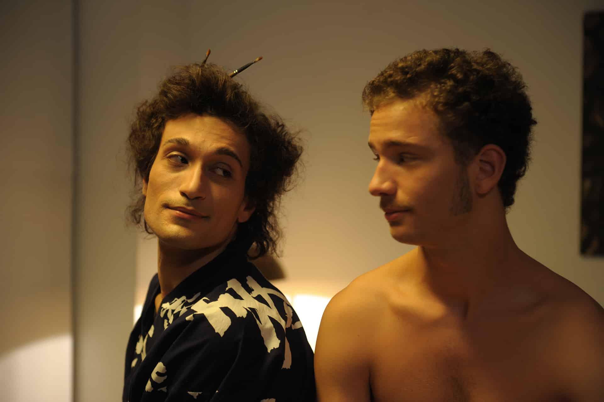 Gli anni amari di Mario Mieli, rockstar del movimento gay. La Lega contro il film (in sala)