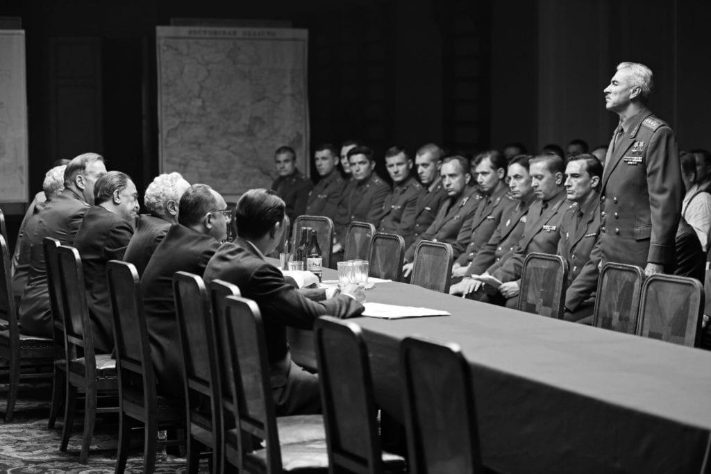 """A 83 anni Končalovskij fa i conti con lo stalinismo: bel film. Dalla polonia un massaggiatore magico (un po' """"Teorema"""")"""