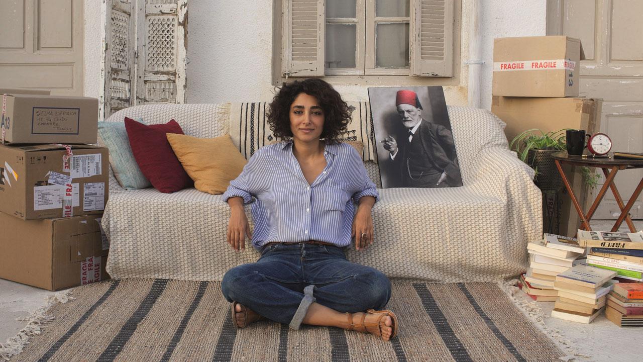 """""""Un divano a Tunisi"""": dura la vita per Freud (cosa c'entra Mina?)"""