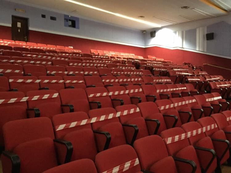 Zona bianca per le sale cinematografiche entro la prossima estate?