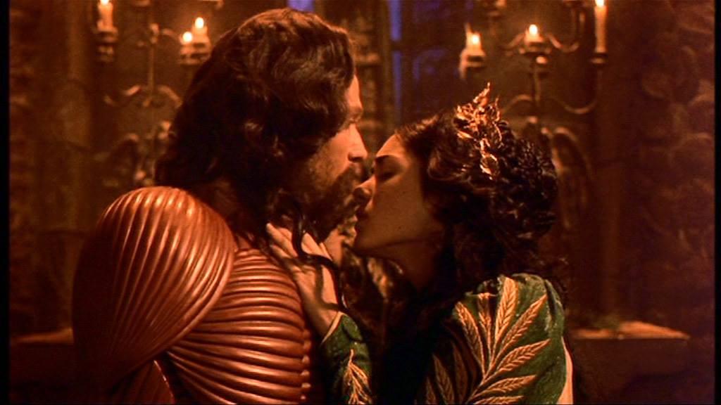 """Riscritture e """"amour fou"""" nel """"Dracula"""" di Coppola. In libreria un saggio di Anna Berra"""
