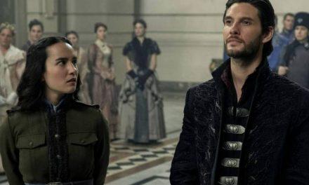 """""""Tenebre e ossa"""", la serie Netflix tratta dai romanzi di Leigh Bardugo"""