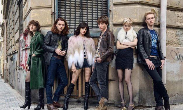 """""""Noi, i ragazzi dello zoo di Berlino"""" diventa una serie. Ma è meno punk e più satinata di quanto dovrebbe"""
