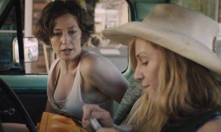 """Occhio a """"Strange Weather"""" su Netflix. Storia sudista con una toccante Holly Hunter"""