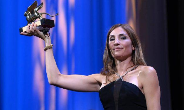 """Il Leone d'oro a """"L'événement"""" tosto film sull'aborto. L'Italia ride con Sorrentino e """"Il buco"""""""